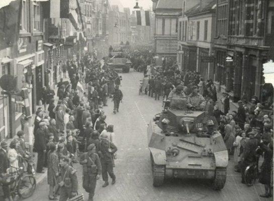 Foto's van de bevrijding van Apeldoorn 76 jaar geleden